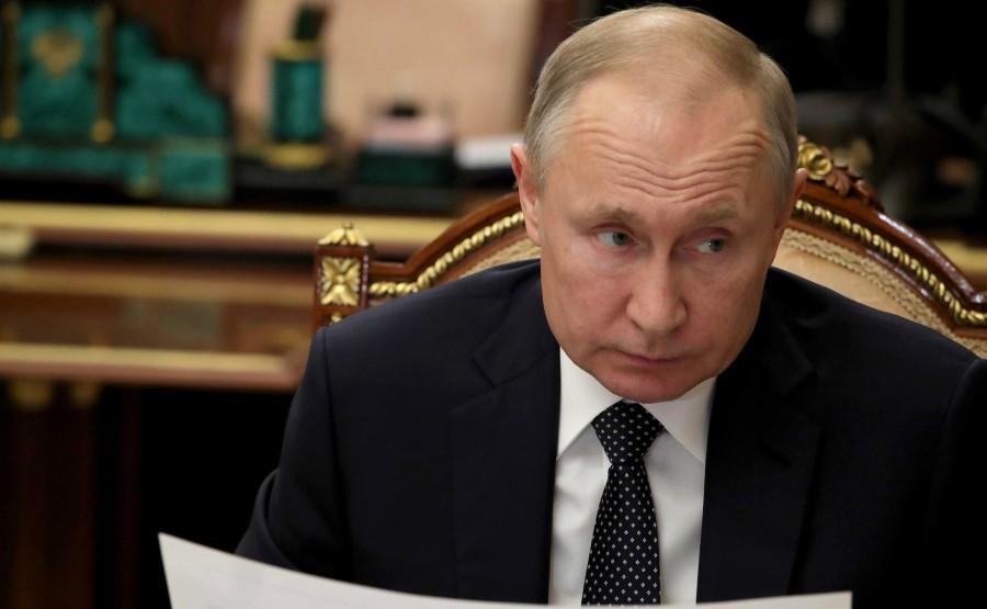 Lors d'une réunion avec le vice-premier ministre de la Fédération deRUSSIE PH 2 SUR 4 LE 08.04.2020 ekjtDBqKIrwEE8Adk7bzAhlbvlGgIf9Z