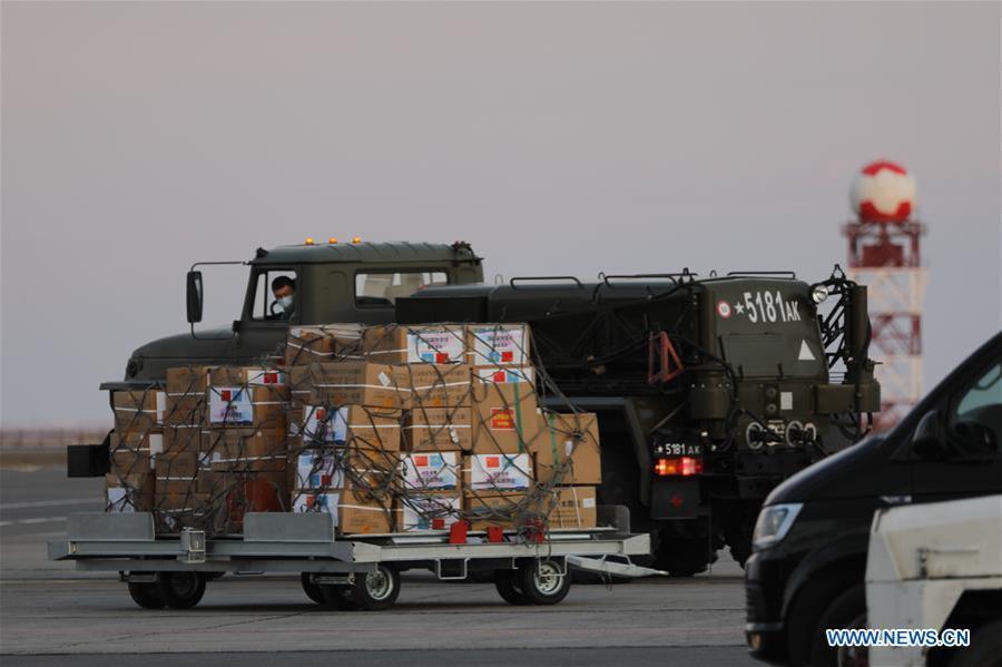 NOURSOULTAN, 9 avril (Xinhua) -- Une équipe médicale chinoise est arrivée jeudi à Noursoultan, la capitale kazakhe, afin de soutenir le Kazakhstan dans ses efforts de lutte contre le COVID-19.138962525_15865072485491n