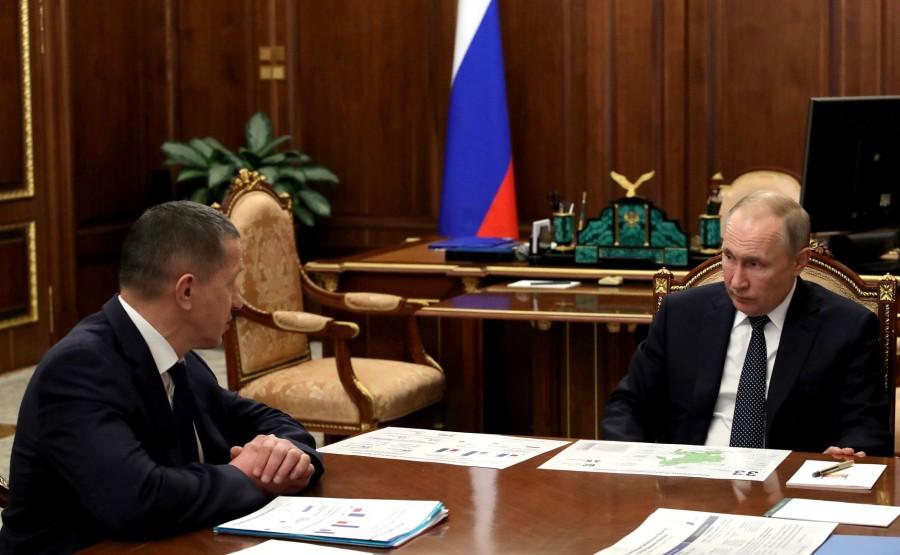RUSSIE PH 1 SUR 4 LE 08.04.2020 Avec le vice-Premier ministre de la Fédération de Russie et l'envoyé présidentiel plénipotentiaire du district fédéral d'Extrême-Orient, Yury Trutnev. zZTx9ueWk91cuxnQAY2EP7YUzwpgwq1z