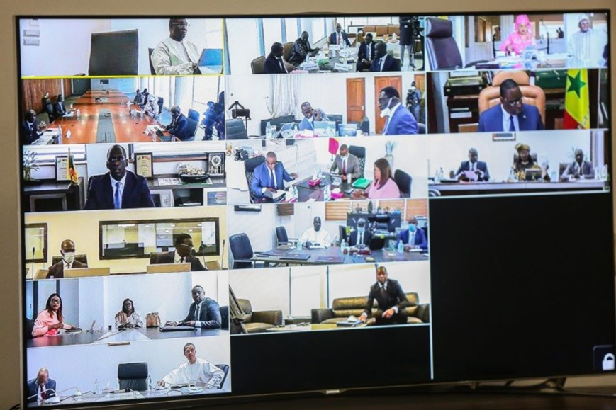 Sénégal - Covid-19 un conseil des ministres en vidéoconférence. © DR Macky Sall 44327579-36269898