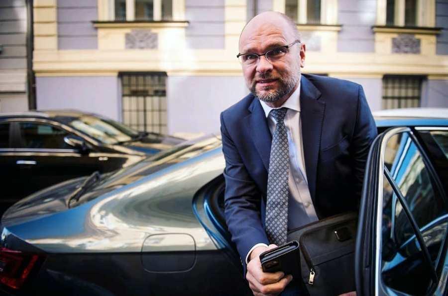 Slovaquie le ministre de l'Économie dénonce la « fétichisation » du virus2020.03.13-sulik-fb