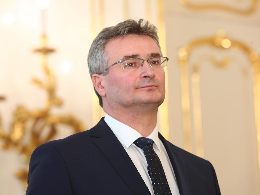 2397857Ivan Fiačan, le président de la cour.
