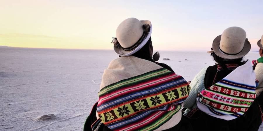 femmes-aymaras-dans-le-salar-d-uyuni-bolivie-552609-1280x640