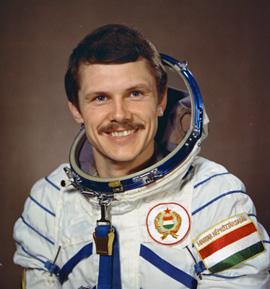 le premier astronaute hongrois, Bertalan Farkas farkas-petit