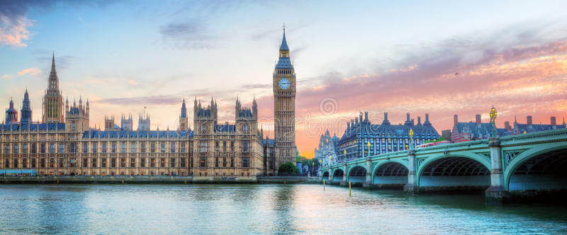 london-uk-panorama-big-ben-westminster-palace-river-thames-sunset-beautiful-57359278