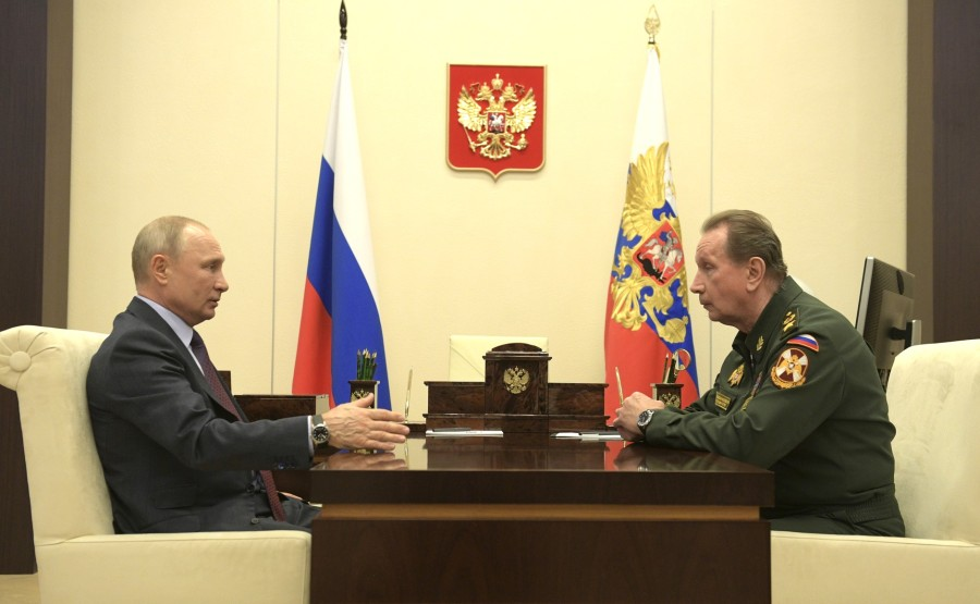 RUSSIE 1 SUR 3 MAI 2020 Avec le directeur du Service fédéral des troupes de la garde nationale Viktor Zolotov. xnw58deDARhzVwEQHqTCHtlJJk57jNMt