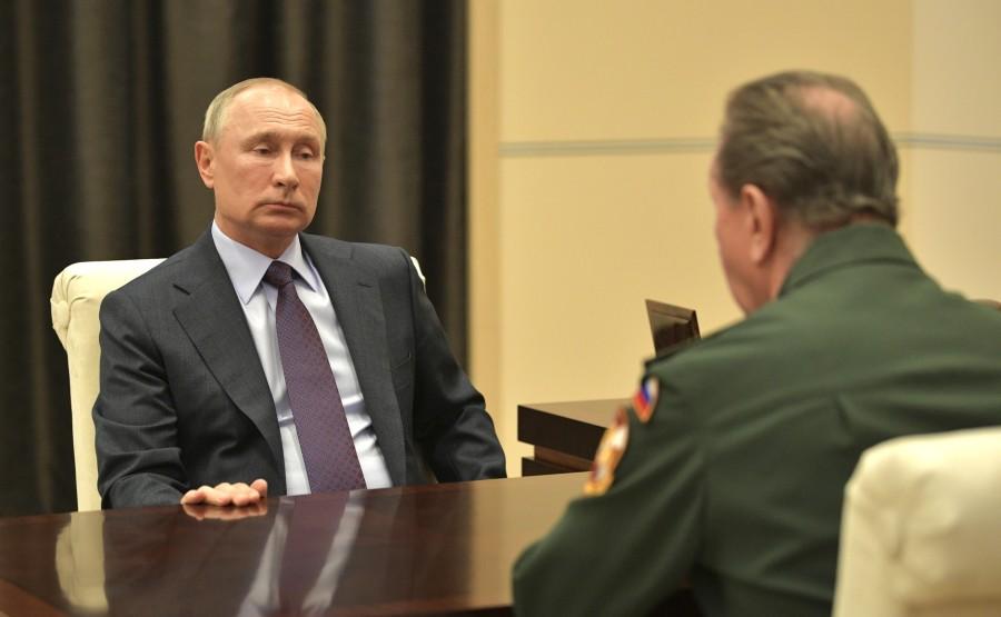 RUSSIE 3 SUR 3 MAI 2020 Avec le directeur du Service fédéral des troupes de la garde nationale Viktor Zolotov. zvpffoAA475s0lMFPAbgeUbnxJeVnIp4