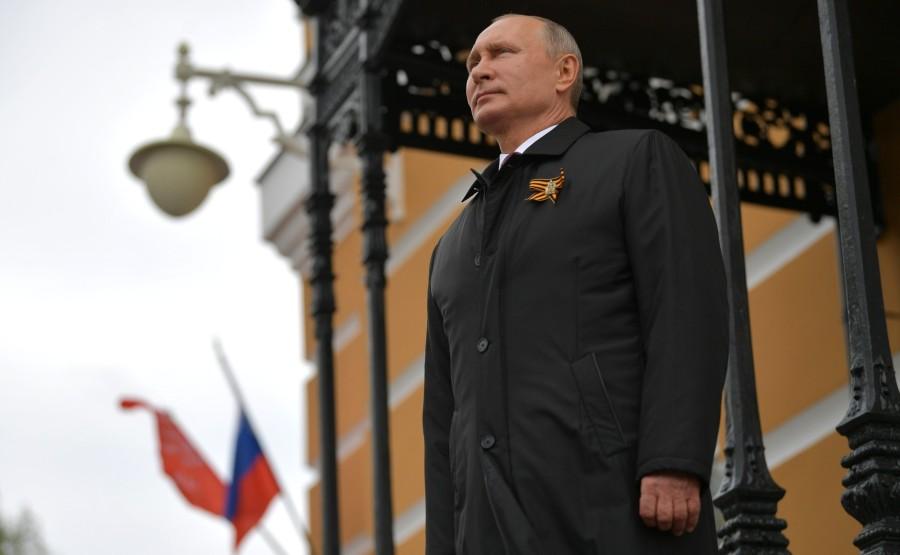 RUSSIE PH 22 SUR 26 Vladimir Poutine a observé un défilé aérien marquant le 75e anniversaire de la victoire depuis la place Ivanovskaya au Kremlin de Moscou. GAenryxaVo3l70ypuh0ih2ZsDqG3ORjg