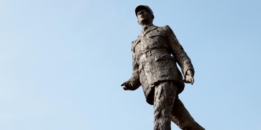 CAN-Le-maire-d-Evreux-porte-plainte-apres-la-degradation-d-une-statue-du-general-de-Gaulle