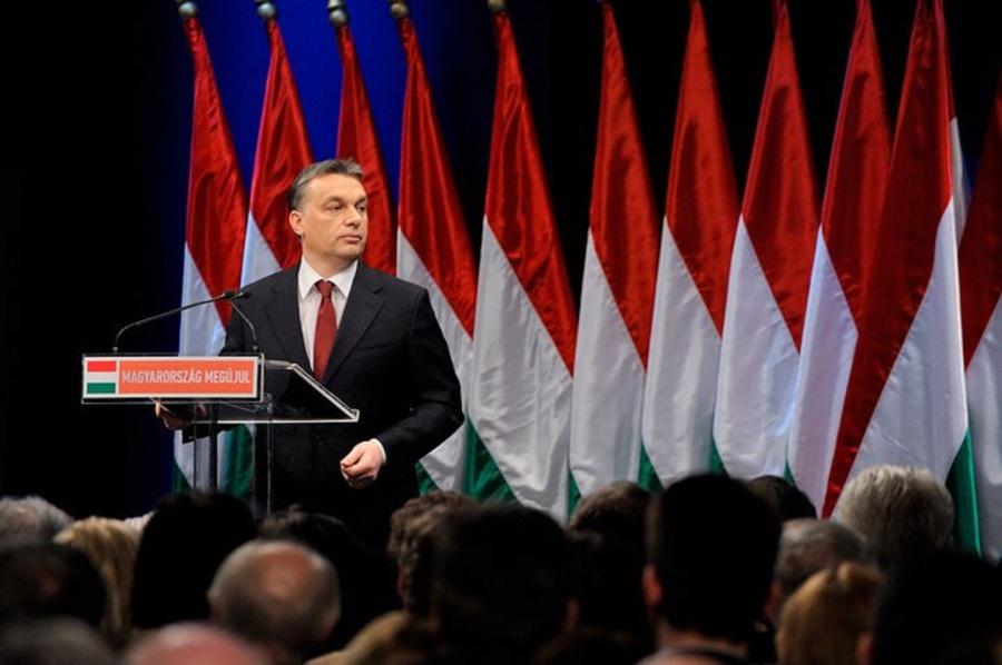 HONGRIE 2011.02.07-orban-fb-2