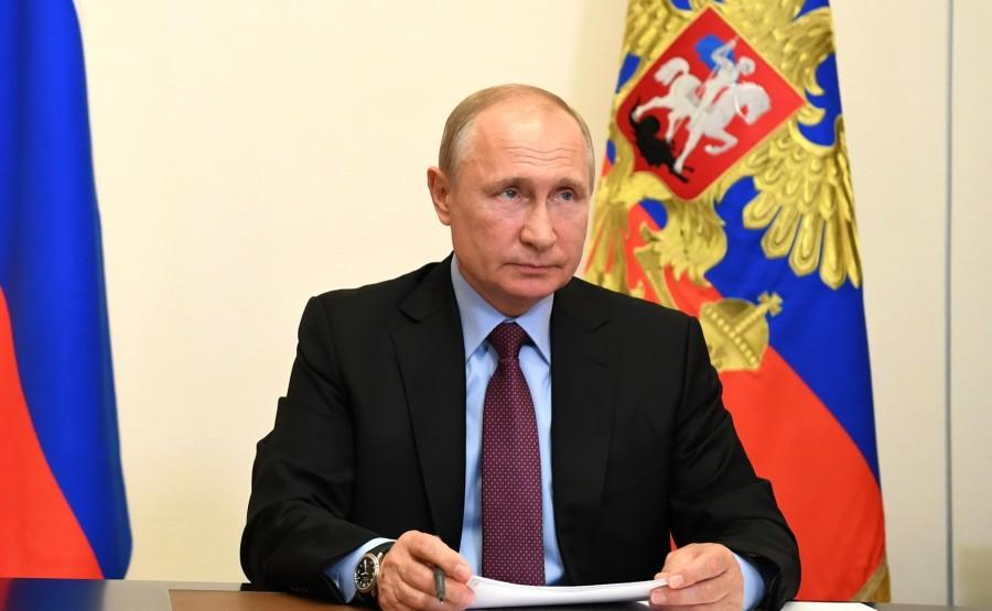 kremlin 11.06.2020 PH 2 SUR 4 Réunion de travail avec le gouverneur de la région de Penza, Ivan Belozertsev (par vidéoconférence). taWqfmmiezc0LklLDYySUnK3N5Jfxbg4
