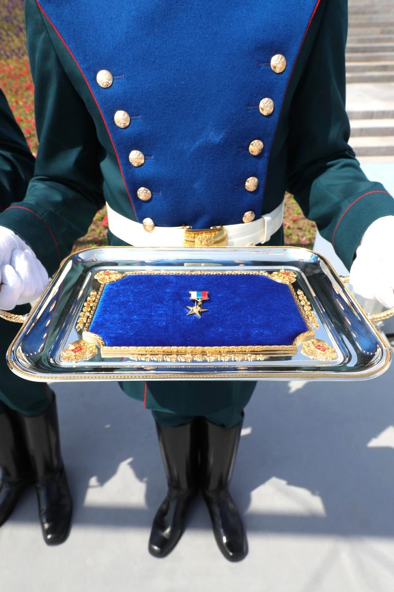 KREMLIN 3 SUR 13 Avant la cérémonie de remise des médailles d'or du Héros du travail de la Fédération de Russie. UeJQusZPXZkSWqoIiuYcyalFhT1OXX0h