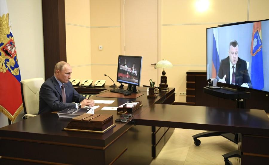 Réunion de travail 2 SUR 2 02.06.2020 avec le gouverneur de la région de Tambov, Alexander Nikitin, par vidéoconférence. bRaqOoTHbzfNJoyXHGEwhLU6lNr2IbTU
