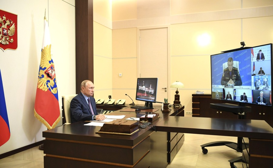 Réunion sur le nettoyage 03.06.2020 PH 1 des fuites de carburant diesel dans le territoire de Krasnoïarsk (par vidéoconférence). KCm5VSpFAzN2m5uJce6ZnwmuSJGu4UJe