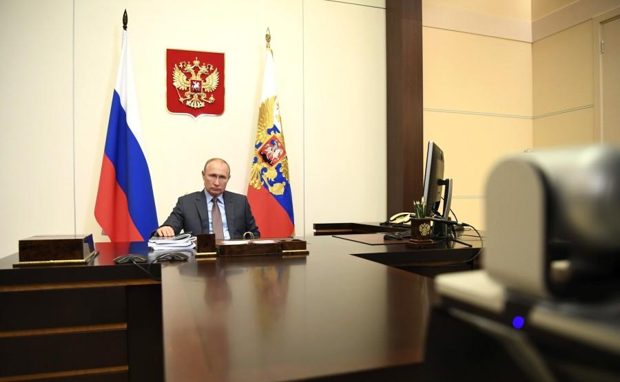 Rencontre 4 SUR 4 02.96.2020 avec le Premier ministre Mikhail Mishustin (par vidéoconférence). oKgeP82r9abweG1IyoWTTAfOg26lSuY