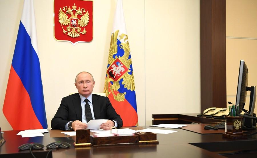 RUSSIE 10 JUIN 2020 4SUR 4 Lors d'une réunion (par vidéoconférence) sur le développement des technologies de l'information et des communications. YztAN5DknPfwjQX7aRCkcFQAAVLluqhv