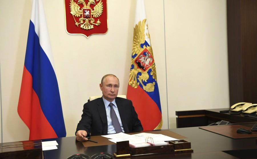 RUSSIE 2 SUR 3 Rencontre avec des personnalités culturelles (par vidéoconférence). TI1mAHBlD1ErERg0be0wJAFE4AnWGnSv