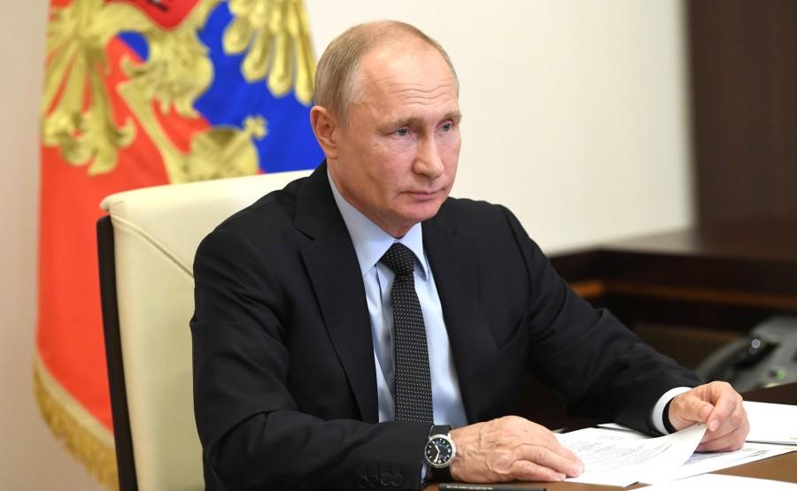 RUSSIE LENINGRAD 2 SUR 3 Réunion de travail avec le gouverneur de la région de Leningrad, Alexander Drozdenko (par vidéoconférence). 1JTB2qhH4lmaAFmDCO6wTpkixmIrNCZW