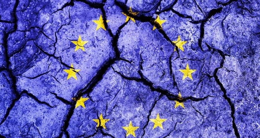 2066958_la-double-crise-europeenne-166607-1_1000x533