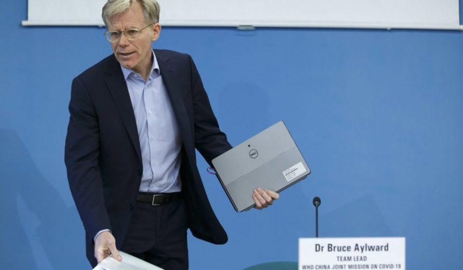 Bruce Aylward, le chef de la mission d'observation internationale du coronavirus en Chine,  loms-est-e280a8captive-mais-pas-de-la-chine-936x546