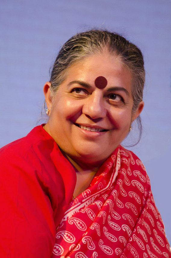 Dr._Vandana_Shiva_DS-568x853 (Wikimedia Commons) L'écoféministe et militante indienne Vandana Shiva