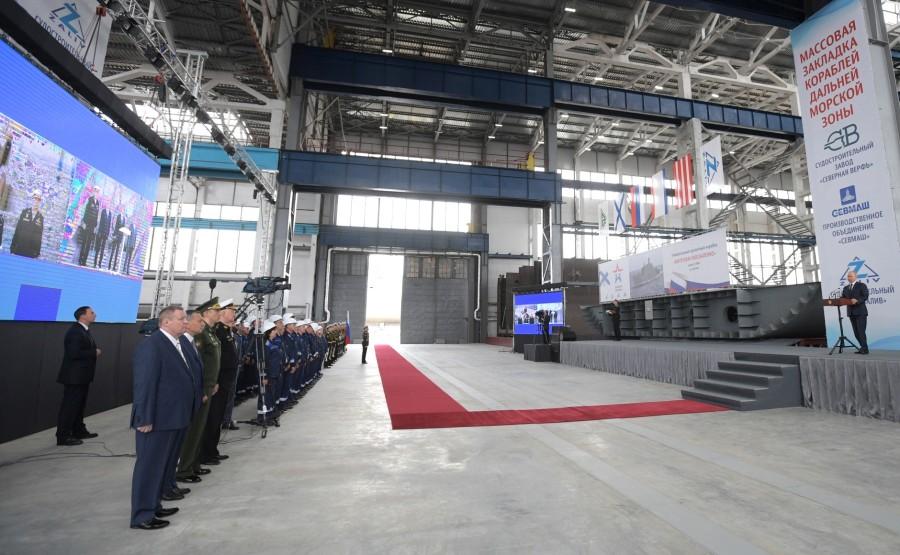 KREMLIN 4 W 7 MARINE RUSSE Cérémonie de pose de la quille des nouveaux navires de guerre de la Marine. dKuoOeMF4HRtqrLqRrArjaBaQC5iy91L