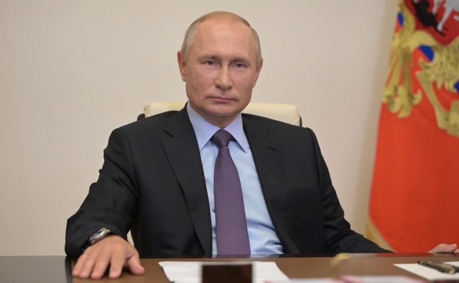 PH 3 Q 4 kremlin 23.07.2020.Ouverture de l'unité combinée de raffinage de pétrole Euro + à la raffinerie de Moscou (par vidéoconférence). Eeo1wKiiGbXUmBysTscURC2diRMOL37w