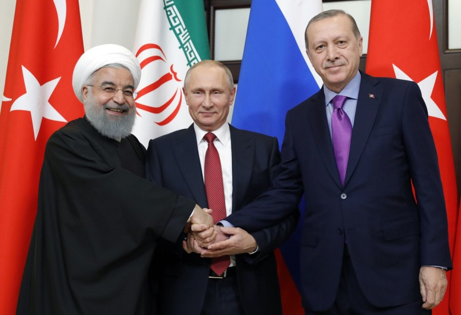 president-russe-Vladimir-Poutine-C-president-Recep-Tayyip-Erdogan-droite-president-iranien-Hassan-Rouhani-posentd-reunion-trilaterale-Syrie-Sotchi-22-novembre-2017_0_1399_957