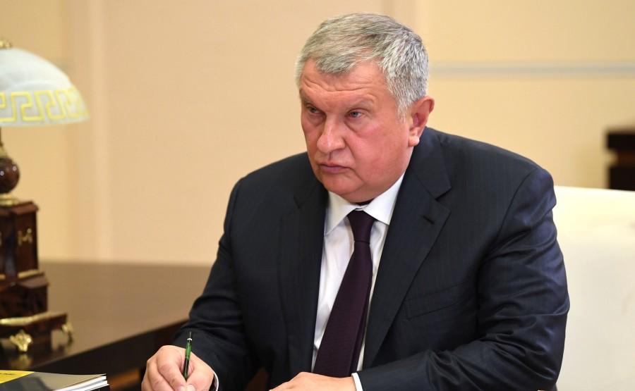 KREMLIN PH 2 X 5 Avec le PDG de Rosneft et président du directoire Igor Sechin. LE 18.08.2020 --- 1j21ycAPmXD1nnJbAPlFA8Ly07C9jmbM