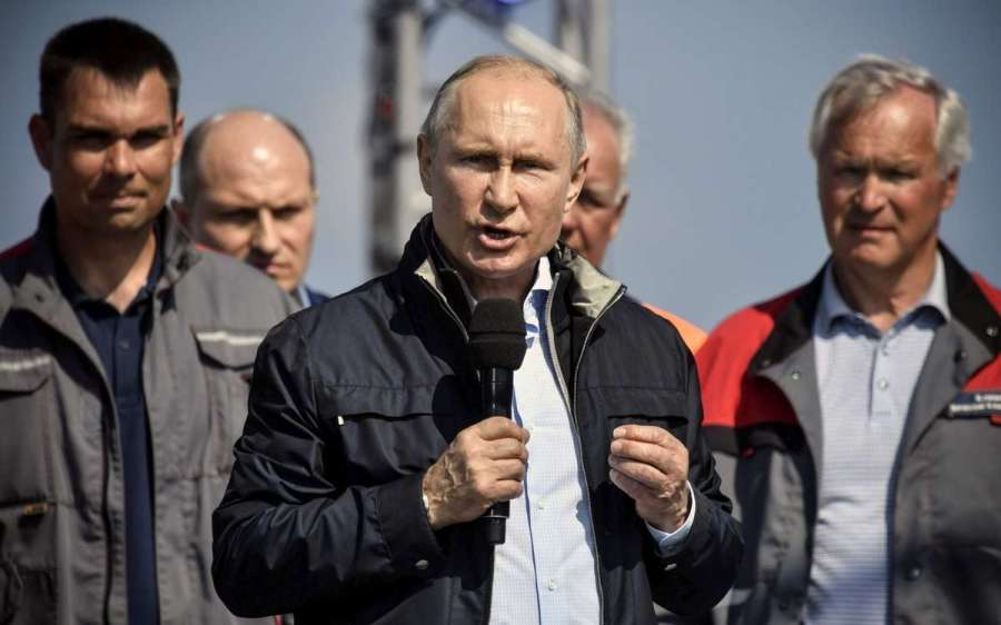 le-president-russe-ale pont de crimée