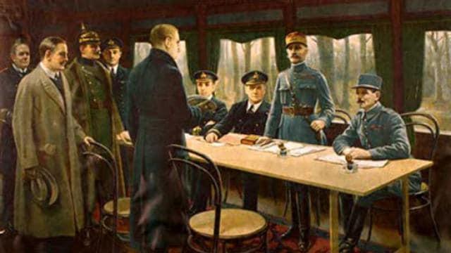 memorial-de-caen.pourquoi-une-seconde-guerre-mondiale_0Le traité de Versailles en 1919 DR