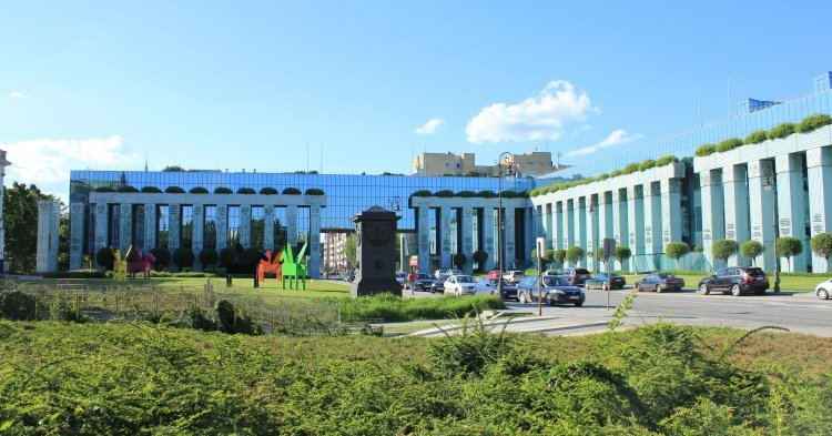 POLOGNE Bâtiment de la Cour Suprême polonaise, à Varsovie. 156e2e9298aaea1b88298270e14d0b