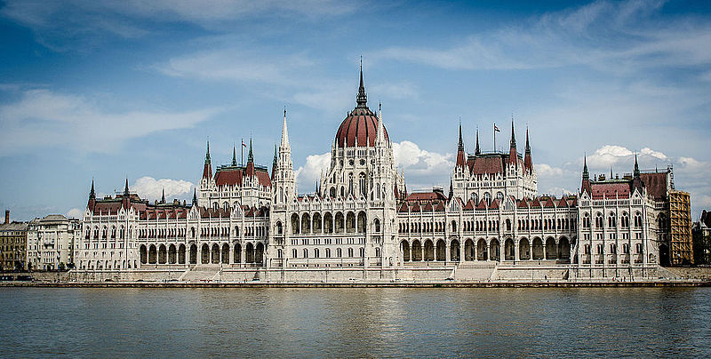 The_building_of_the_Hungarian_Parliament_(10890208584)