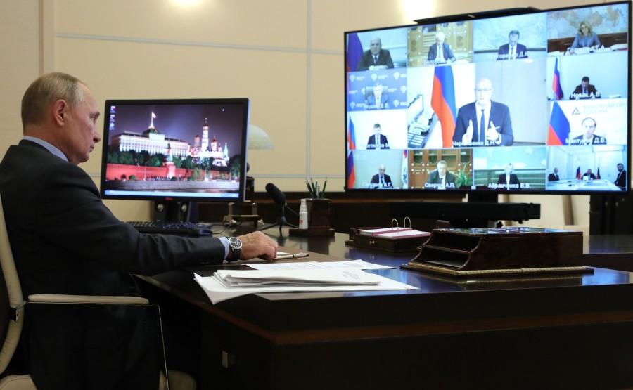 KREMLIN 3 SUR 5 DU 09.09.2020 Rencontre avec les membres du gouvernement (par vidéoconférence). BpjVFIe5rLPMITOncUgAA2AiWV4DhgD1