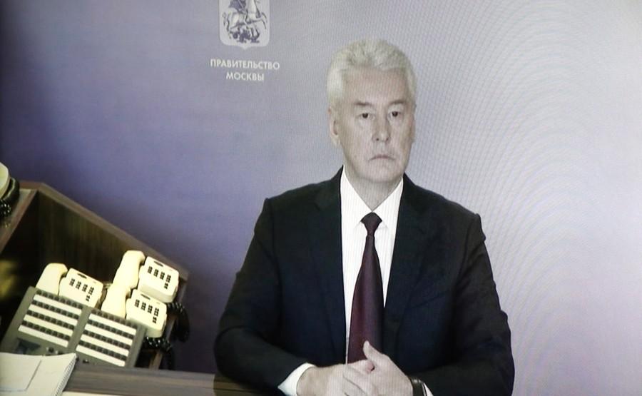 KREMLIN 5 X 5 DU 04.09.2020. Lors d'une réunion avec le maire de Moscou, Sergueï Sobianine (par vidéoconférence). lDHx5hkucwYUk2Dp4zt2rR2EjnYk056M