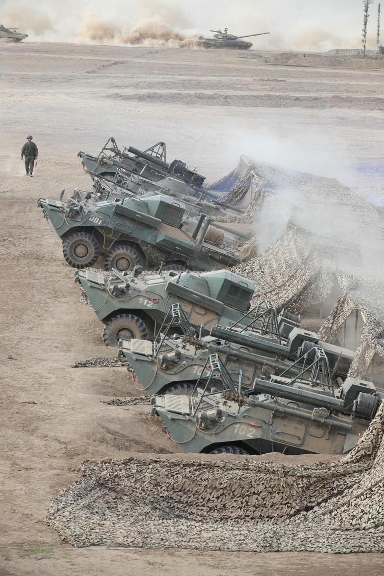 KREMLIN CAUCASE PH 16 X 17 La scène principale de l'exercice de siège stratégique Caucase-2020.