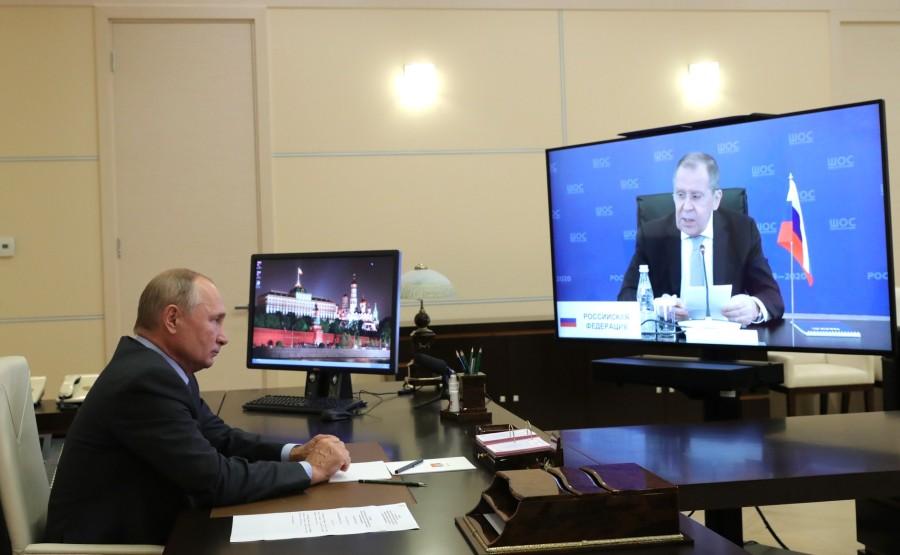 KREMLIN OCS 3 X 3 DU 09.09.2020 Réunion avec les ministres des Affaires étrangères des États membres de l'Organisation de coopération de Shanghai (OCS) (par vidéoconférence). PymhAdVcbLRg97TgIEOCSmAD8SZDU4tq
