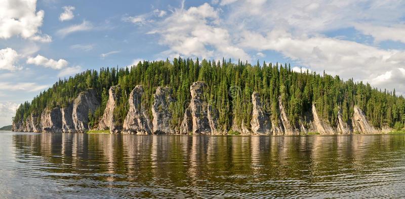 l-objet-des-forêts-du-komi-de-vierge-de-site-de-patrimoine-mondial-de-l-unesco-78021033