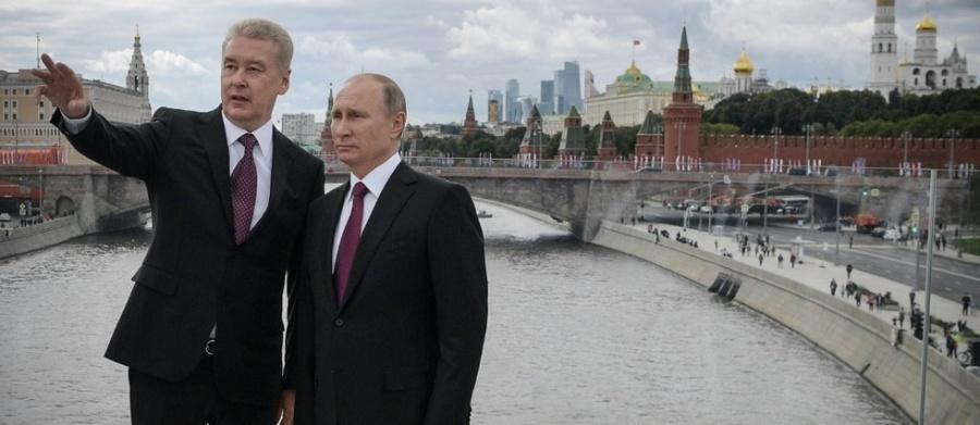 Le maire de Moscou, Sergueï Sobianine. et Vladimir Poutine 16802476lpw-16802474-article-jpg_5546685