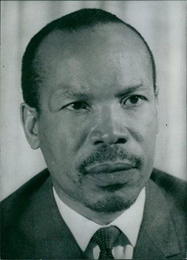 le premier président du pays Seretse Khama 61anI3r+9dL._AC_SY679_