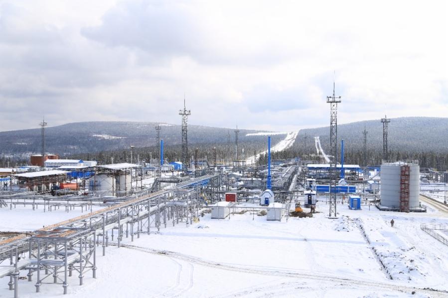 Unité de traitement de gaz n ° 102 au champ de Kovyktinskoye w1100_34847_gdoirk