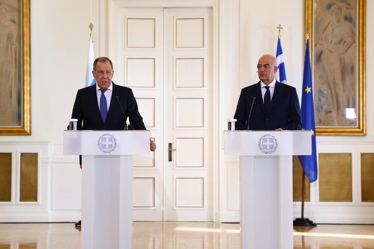 conférence de presse à l'issue de son entretien avec Nikos Dendias, Ministre des Affaires étrangères de la Grèce, Athènes, 26 octobre 2020 – 17 H 26