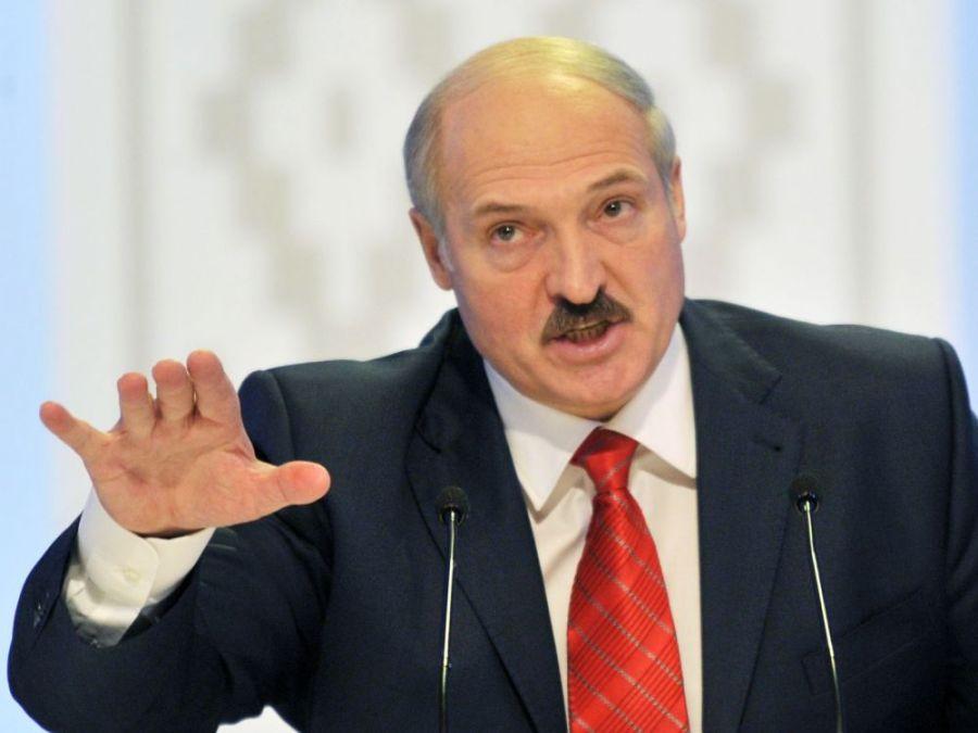 cover-r4x3w1000-5f311b041300f-000-par3674875 Le Président biélorusse Alexandre Loukachenko