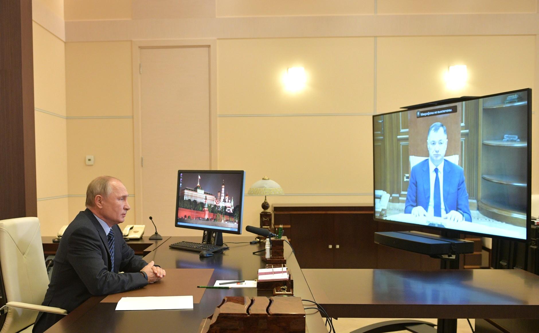 KREMLIN PH 1 X 3 DU 21.10.2020. Réunion de travail avec la vice-première ministre Marat Khusnullin (par vidéoconférence).