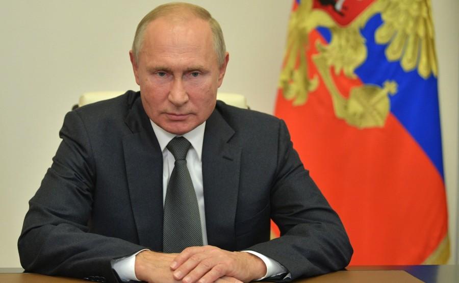 KREMLIN PH 2 X 3 DU 07.10.2020...Rencontre avec le chef d'état-major général des forces armées russes - Premier vice-ministre de la Défense, Valery Gerasimov (par vidéoconférence). zWouv12ClBTPnCThzfyv6KZdpsbDg52O
