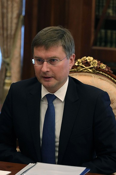 KREMLIN PH 3 X 3 12.OCT.2020 Rencontre avec le PDG d'ALROSA, Sergueï Ivanov.