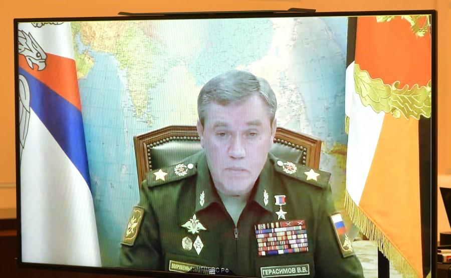 KREMLIN PH 3 X 3 DU 07.10.2020...Rencontre avec le chef d'état-major général des forces armées russes - Premier vice-ministre de la Défense, Valery Gerasimov (par vidéoconférence). uhvuvqIS3mHAaDHLDRdYXoif5Ih75EY4