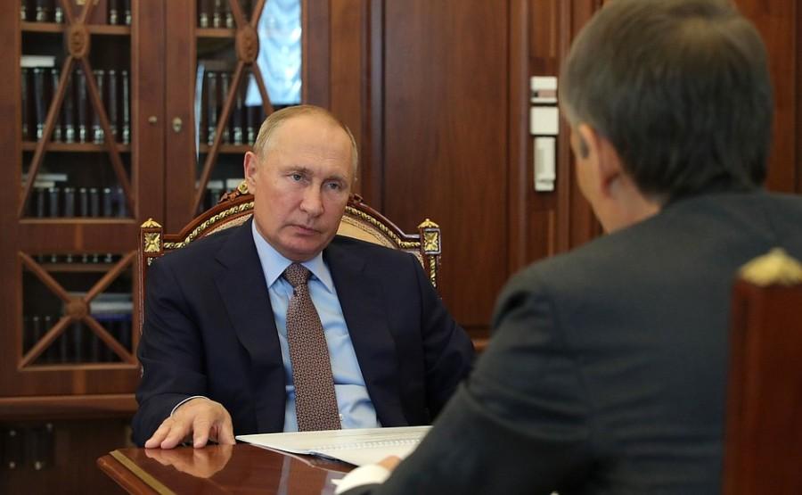KREMLIN PH 4 X 4 DU 20.10.2020 Rencontre avec le président du conseil d'administration de la Rosselkhozbank (Banque agricole russe), Boris Listov - 20 octobre 2020