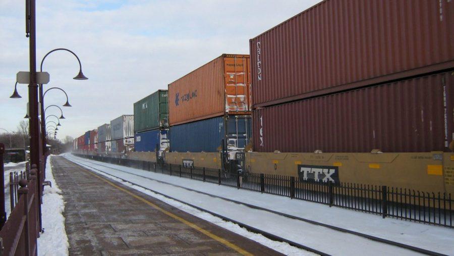 PH 5 La fausse relance ferroviaire de MacronDouble_stack_intermodal_container_train._3119035814-1320x744