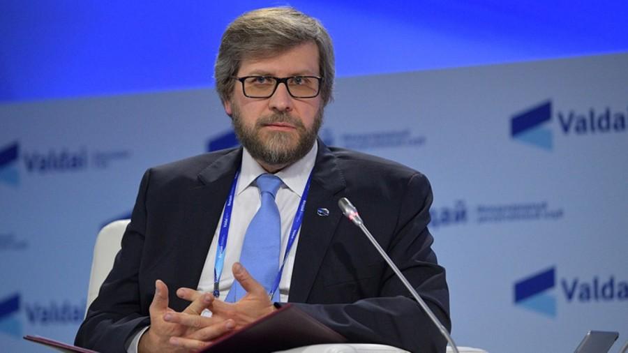 RUSSIE VALDAI Le modérateur de la séance plénière était Fyodor Lukyanov